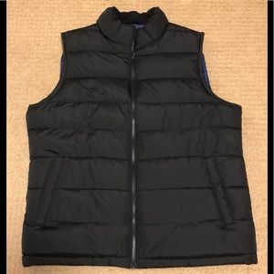 NEW WITH TAGS Men's GAP puffer vest size Large